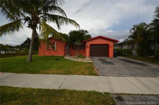 2741 N 72nd Way, Hollywood, FL 33024 (MLS #A11051233) :: Castelli Real Estate Services