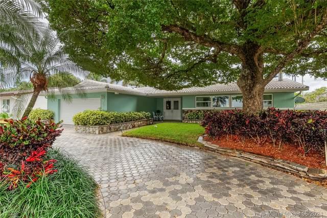 7440 Twin Sable, Miami Lakes, FL 33014 (MLS #A11051374) :: Berkshire Hathaway HomeServices EWM Realty