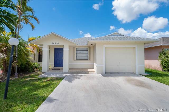 10448 SW 211th St, Cutler Bay, FL 33189 (MLS #A11051418) :: The Riley Smith Group