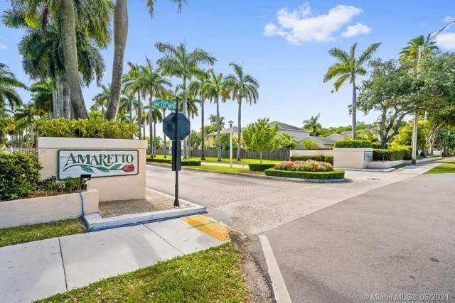 10133 SW 117th Ct, Miami, FL 33186 (MLS #A11051429) :: The Riley Smith Group