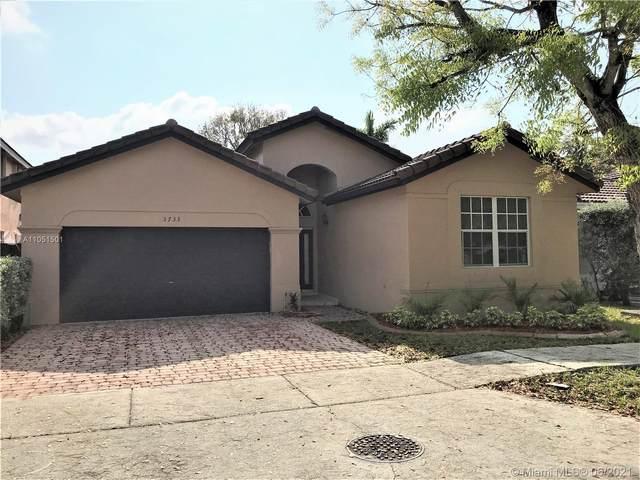 3733 SW 154th Ct, Miami, FL 33185 (MLS #A11051501) :: Berkshire Hathaway HomeServices EWM Realty