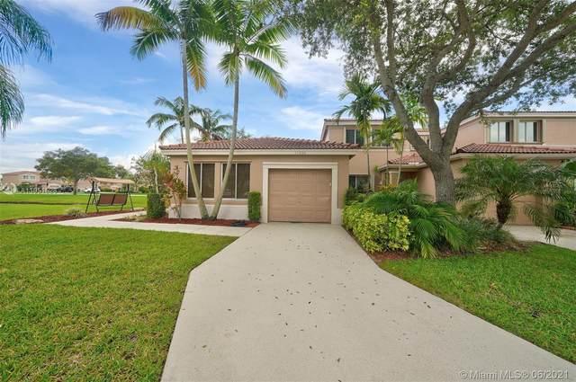 11050 SW 16th Mnr, Davie, FL 33324 (MLS #A11051528) :: Castelli Real Estate Services