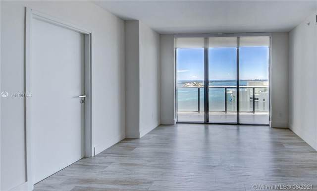 1300 Brickell Bay Dr #3004, Miami, FL 33131 (MLS #A11051844) :: The Rose Harris Group