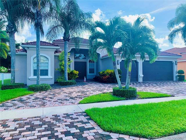 9746 Campi Dr, Lake Worth, FL 33467 (MLS #A11051866) :: KBiscayne Realty