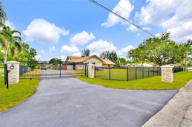 5300 SW 164th Ter, Southwest Ranches, FL 33331 (MLS #A11051926) :: The Paiz Group