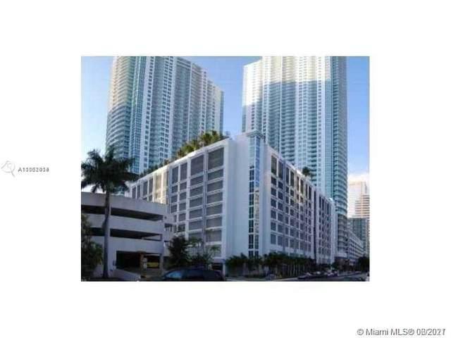 Miami, FL 33131 :: Douglas Elliman