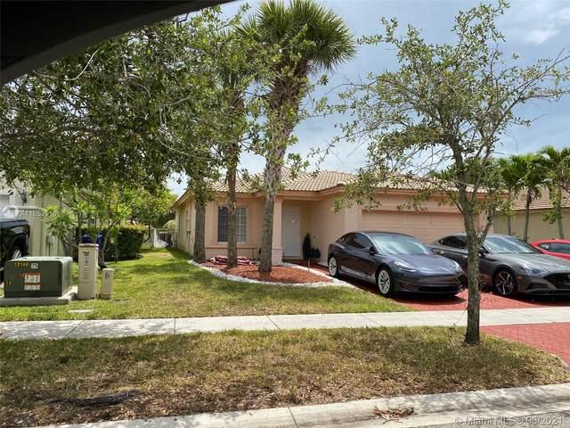 4625 SW 125th Ln, Miramar, FL 33027 (MLS #A11052116) :: Prestige Realty Group