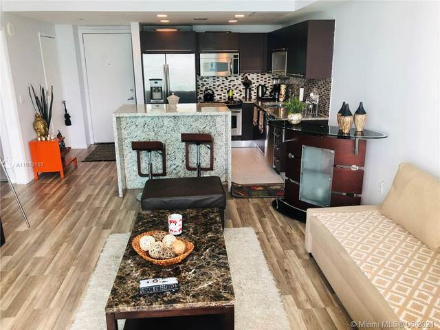 950 Brickell Bay Dr #2809, Miami, FL 33131 (MLS #A11052153) :: The Howland Group