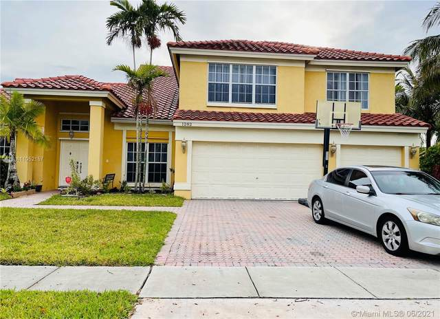 1282 NW 195th Ave, Pembroke Pines, FL 33029 (MLS #A11052157) :: The Riley Smith Group