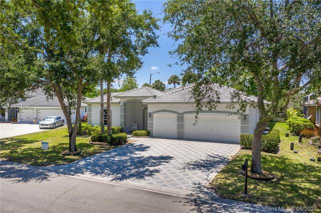4824 NW 113th Ave, Coral Springs, FL 33076 (MLS #A11052341) :: The Riley Smith Group