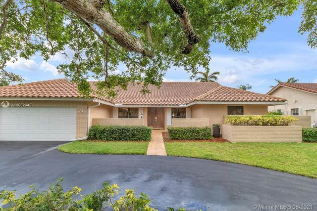 71 SW 114th Ter, Coral Springs, FL 33071 (MLS #A11052443) :: The Riley Smith Group