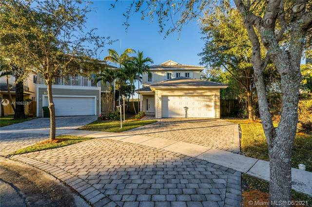 3247 SE 2nd Dr, Homestead, FL 33033 (MLS #A11052687) :: The Riley Smith Group