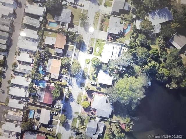 3410 SW 32nd Ave, West Park, FL 33023 (MLS #A11052765) :: Team Citron
