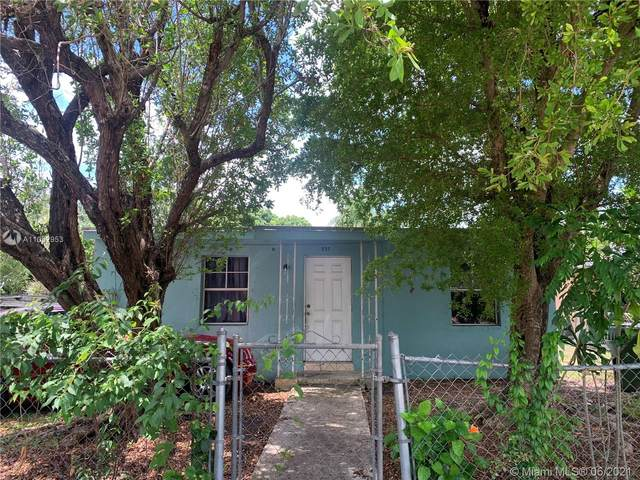 529 NW 7th Ave, Homestead, FL 33030 (MLS #A11052953) :: The Teri Arbogast Team at Keller Williams Partners SW