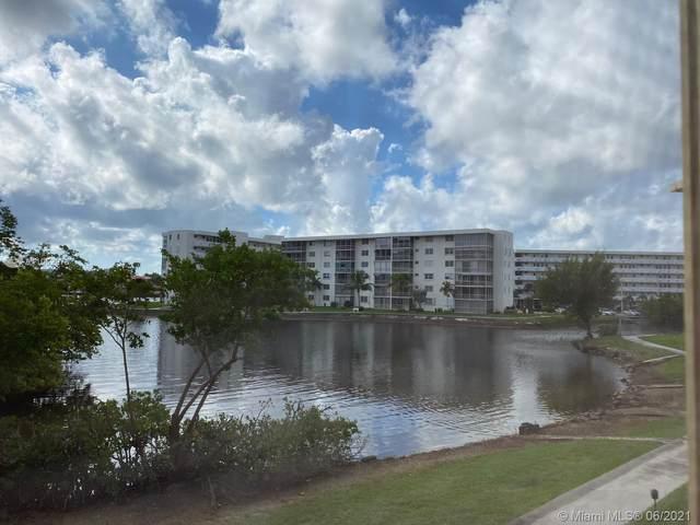 2980 Point East Dr D212, Aventura, FL 33160 (MLS #A11052975) :: Castelli Real Estate Services