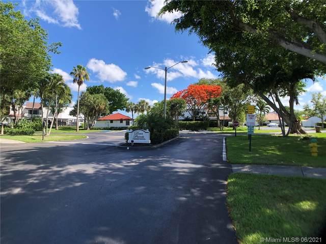 401 NW 36th Ave, Deerfield Beach, FL 33442 (MLS #A11053133) :: Berkshire Hathaway HomeServices EWM Realty