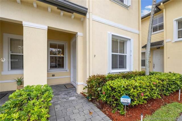 3065 SE 1st Dr #9, Homestead, FL 33033 (MLS #A11053245) :: Berkshire Hathaway HomeServices EWM Realty