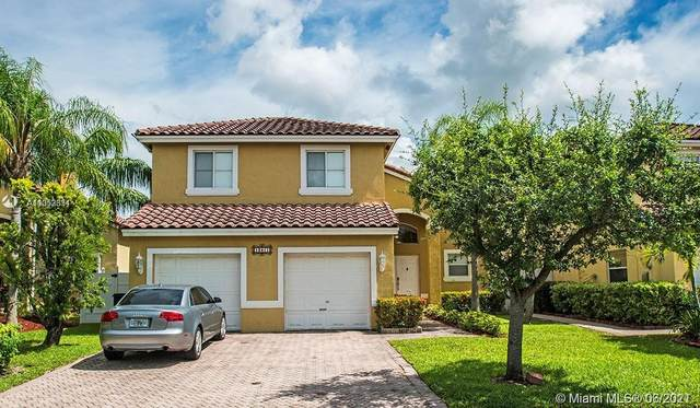 13411 SW 144th Ter, Miami, FL 33186 (MLS #A11053331) :: The Riley Smith Group
