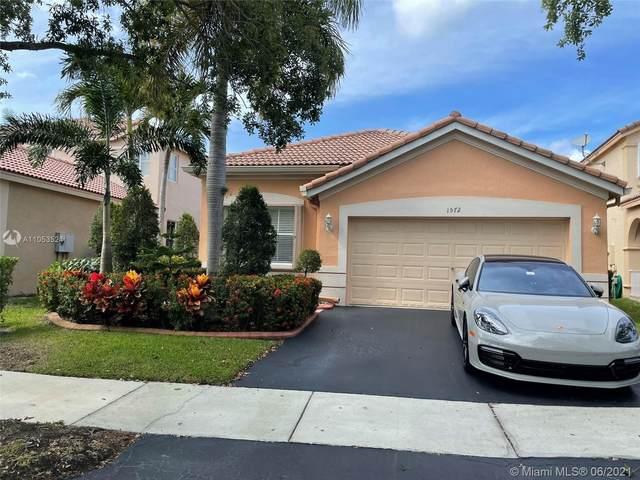 1572 Banyan Way, Weston, FL 33327 (MLS #A11053524) :: The Riley Smith Group