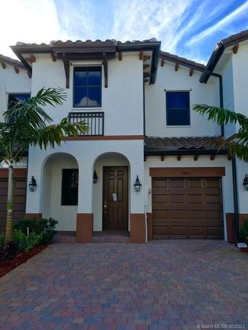 8860 NW 103rd Ave, Doral, FL 33178 (MLS #A11053547) :: The Teri Arbogast Team at Keller Williams Partners SW