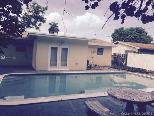 680 NE 43rd St, Deerfield Beach, FL 33064 (MLS #A11053629) :: Berkshire Hathaway HomeServices EWM Realty