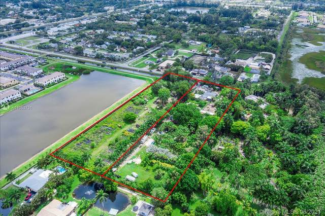 4821 SW 58th Ave, Davie, FL 33314 (MLS #A11053731) :: The Paiz Group