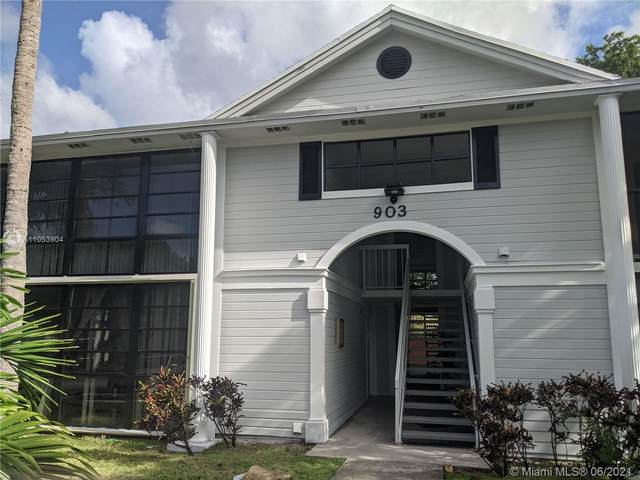 903 NE 199th St, Miami, FL 33179 (#A11053904) :: Posh Properties