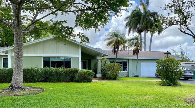 12520 SW 115th Ave, Miami, FL 33176 (MLS #A11054014) :: The Riley Smith Group