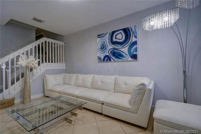 10914 NW 79th St #10914, Doral, FL 33178 (MLS #A11054176) :: The Teri Arbogast Team at Keller Williams Partners SW