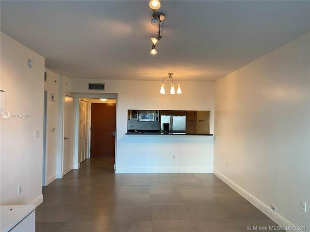31 SE 5th St #3103, Miami, FL 33131 (MLS #A11054208) :: The Rose Harris Group