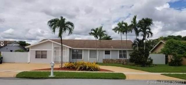 13237 SW 44th Ln, Miami, FL 33175 (MLS #A11054324) :: Team Citron