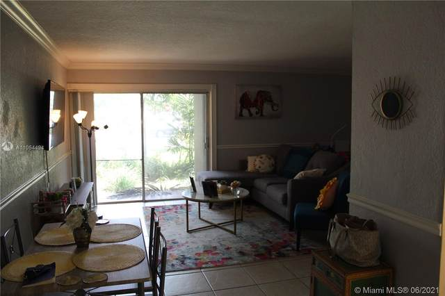 9477 SW 76 #03, Miami, FL 33175 (MLS #A11054494) :: The Howland Group