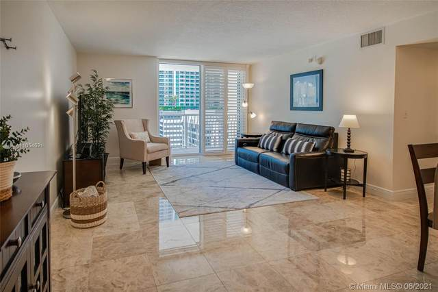 1200 Brickell Bay Dr #1624, Miami, FL 33131 (MLS #A11054521) :: The Rose Harris Group