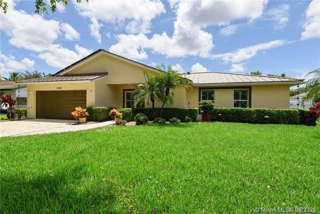 4803 SW 119th Ave, Cooper City, FL 33330 (MLS #A11054604) :: The Teri Arbogast Team at Keller Williams Partners SW