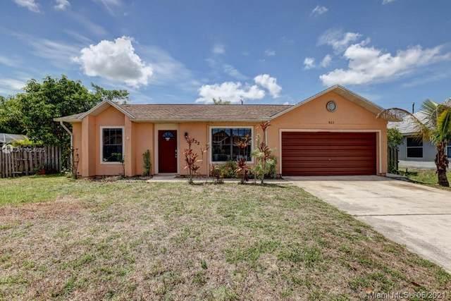 822 SW Mccullough Avenue #822, Port Saint Lucie, FL 34953 (MLS #A11054635) :: Douglas Elliman