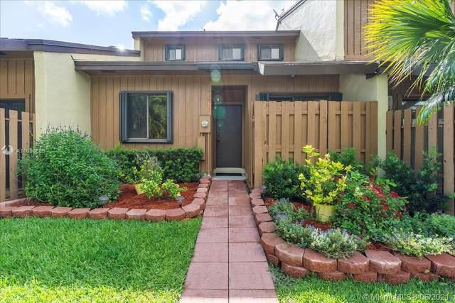 4190 SW 87th Ter #4190, Davie, FL 33328 (MLS #A11054688) :: Castelli Real Estate Services