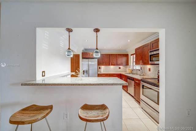 780 NE 199th St 201E, Miami, FL 33179 (MLS #A11054765) :: Berkshire Hathaway HomeServices EWM Realty