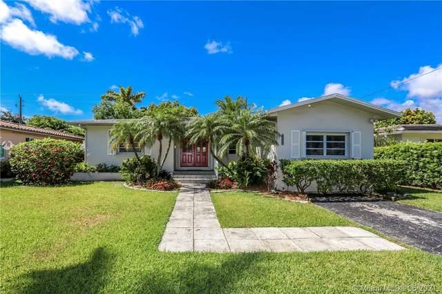 1114 Adams St, Hollywood, FL 33019 (MLS #A11054767) :: Berkshire Hathaway HomeServices EWM Realty