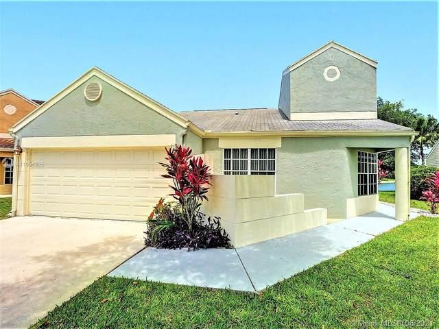 8547 Dynasty Dr, Boca Raton, FL 33433 (#A11054995) :: Posh Properties