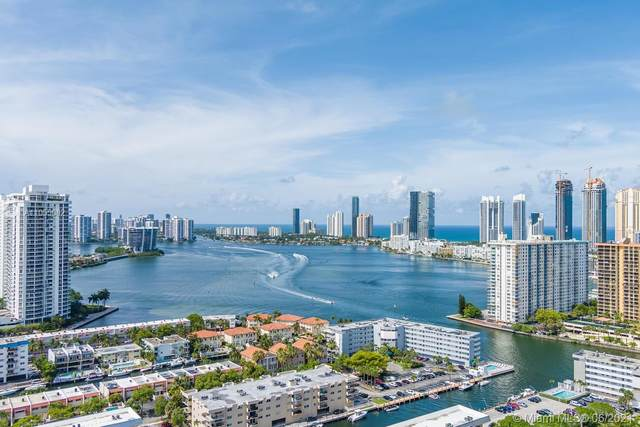 4000 NE 170th St, North Miami Beach, FL 33160 (MLS #A11055082) :: The Paiz Group