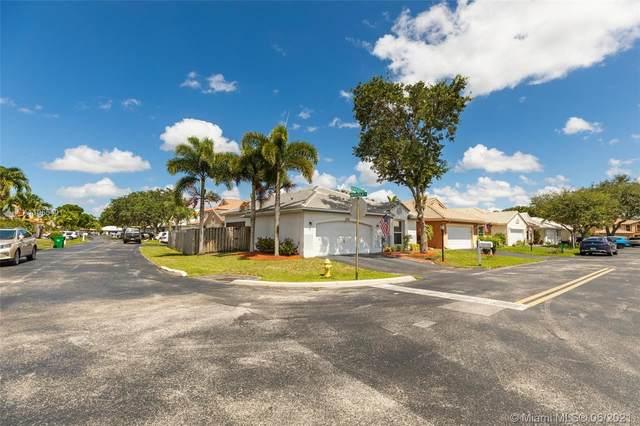 6020 Swinden Ln, Davie, FL 33331 (MLS #A11055401) :: Castelli Real Estate Services