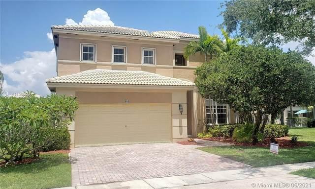 986 NW 167th Ter, Pembroke Pines, FL 33028 (MLS #A11055548) :: Berkshire Hathaway HomeServices EWM Realty