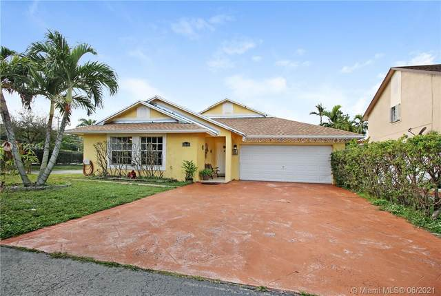 18640 NW 77th Ct, Hialeah, FL 33015 (MLS #A11055614) :: The Riley Smith Group