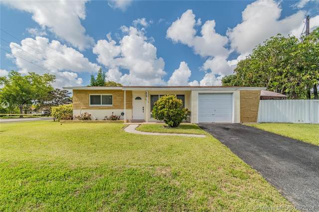 2280 N 56th Ave, Hollywood, FL 33021 (MLS #A11055653) :: Equity Realty