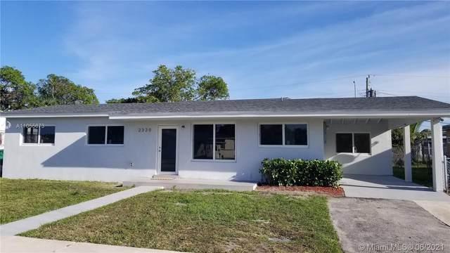 2320 NW 184th St, Miami Gardens, FL 33056 (MLS #A11055673) :: Berkshire Hathaway HomeServices EWM Realty