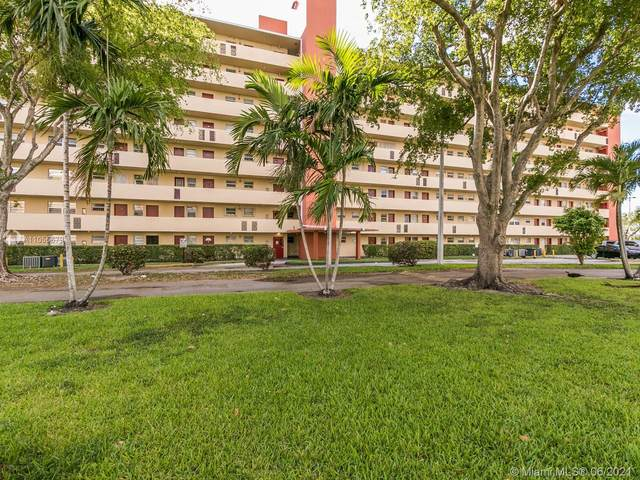 1770 NE 191st St 313-1, Miami, FL 33179 (MLS #A11055679) :: The Rose Harris Group