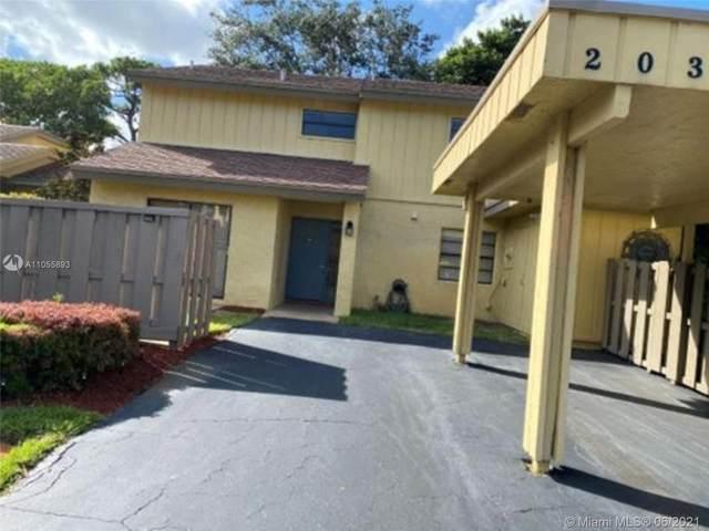 2031 Woodlands Way, Deerfield Beach, FL 33442 (MLS #A11055893) :: Berkshire Hathaway HomeServices EWM Realty