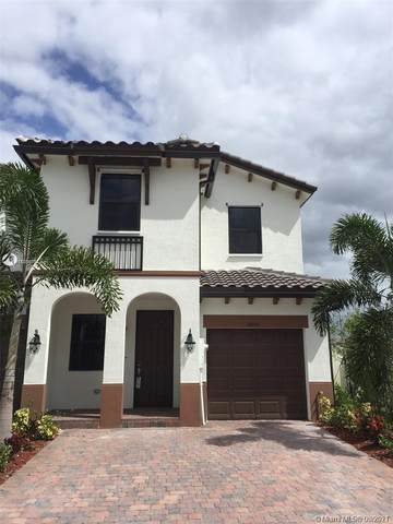 8805 NW 103rd Pl #8805, Doral, FL 33178 (MLS #A11055972) :: Berkshire Hathaway HomeServices EWM Realty