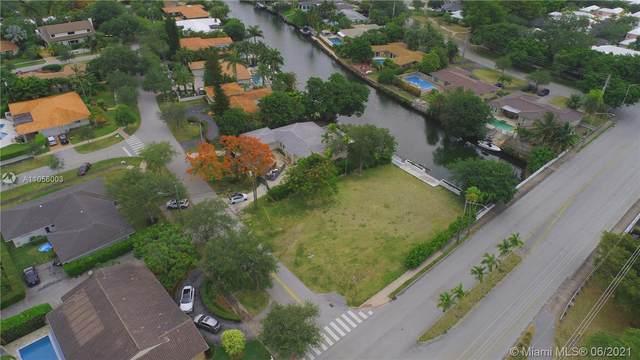 5135 Orduna Dr, Coral Gables, FL 33146 (MLS #A11056003) :: Vigny Arduz | RE/MAX Advance Realty