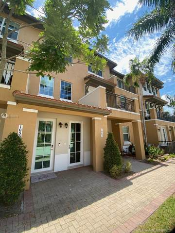 1067 SW 147th Ave #5605, Pembroke Pines, FL 33027 (MLS #A11056078) :: Albert Garcia Team